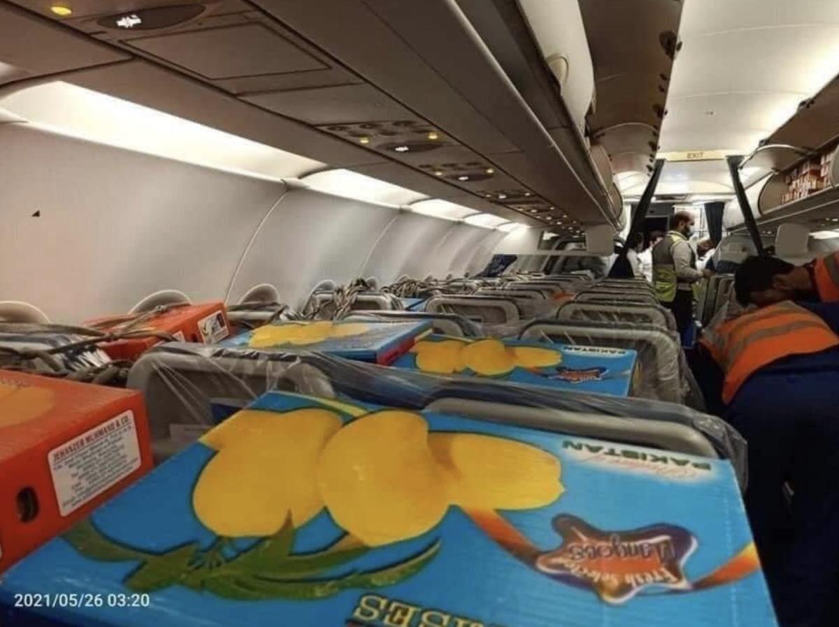 Boxes Of Pakistani Mangoes Fill Up An Entire Flight To Dubai – Lovin Dubai